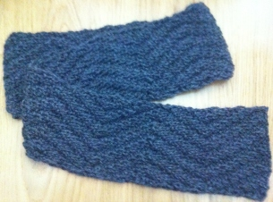 grey chevron knitted unisex scarf pattern beginner